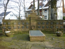 Gesamtansicht Kriegerdenkmal